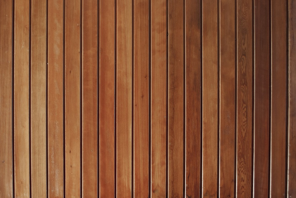 חיפוי קירות דמוי עץ