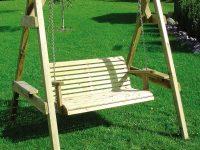 פינוק לגינה עם ספסל נדנדה